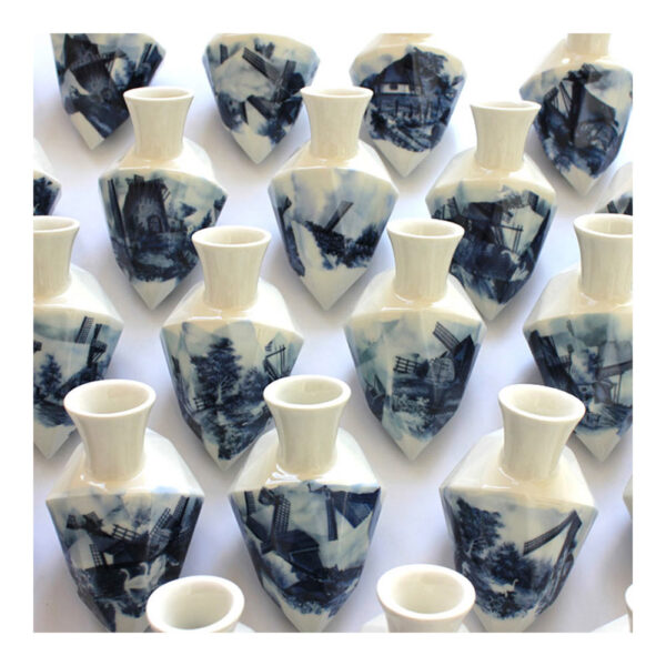 1.Diamantvaasje, 11 x 14 x 9 cm, ceramics