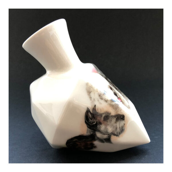 10.Diamantvaasje, 11 x 14 x 9 cm, ceramics