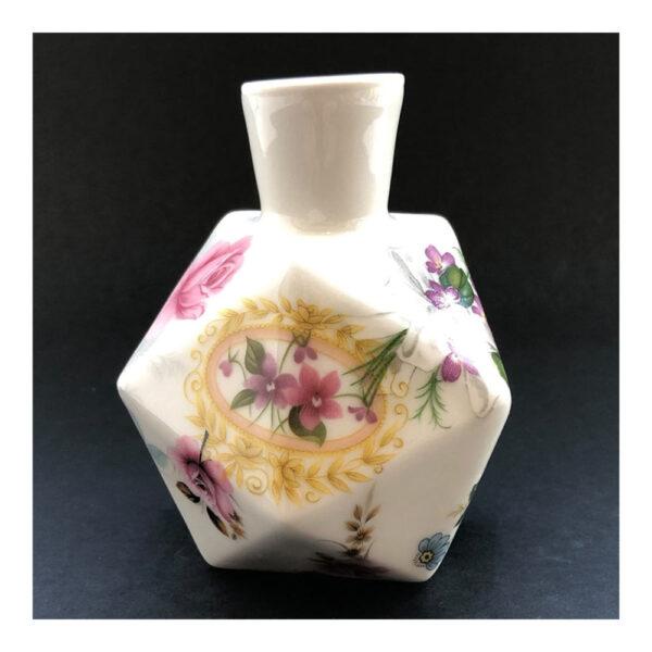 4.Diamantvaasje, 11 x 14 x 9 cm, ceramics