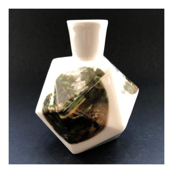 5.Diamantvaasje, 11 x 14 x 9 cm, ceramics